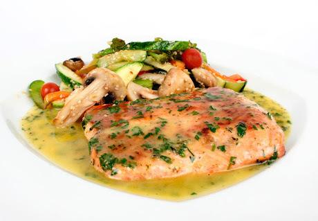 Filete De Salmon A Las Finas Hierbas