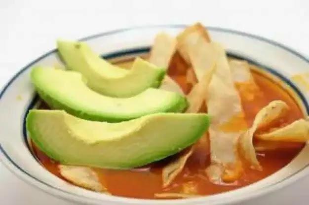 Sopa De Tortilla Con Salmon Enlatado