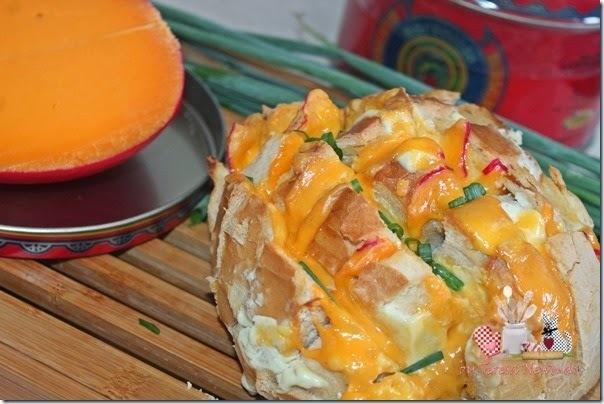 Pão Italiano recheado com queijo do reino