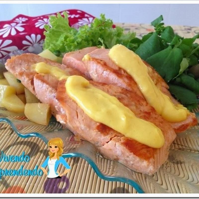 salada salmão levemente grelhado