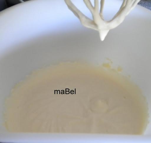 Marquise rellena de crema de melocotón