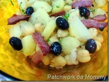 Salada de grão de bico e batatas