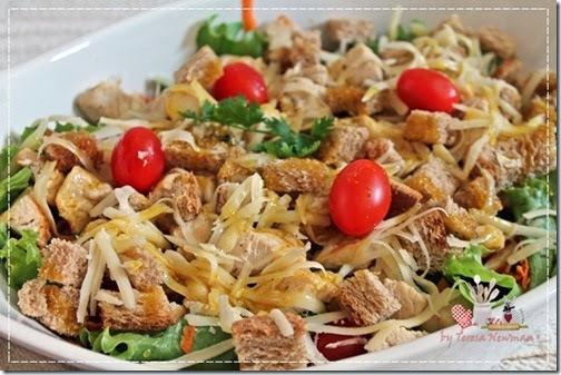 Receita de Salada de Frango com molho de mostarda e mel