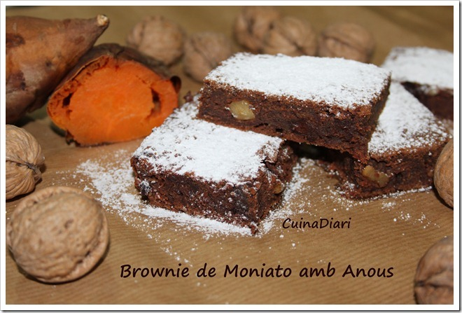 BROWNIE DE MONIATO AMB ANOUS