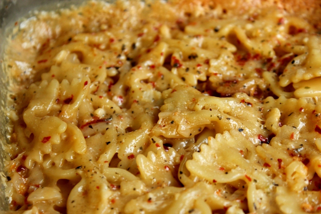 Hungry Food : Easy white sauce Farfalle Pasta