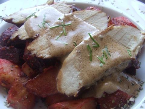Balzsamecetes vörösborban sült csirkemell