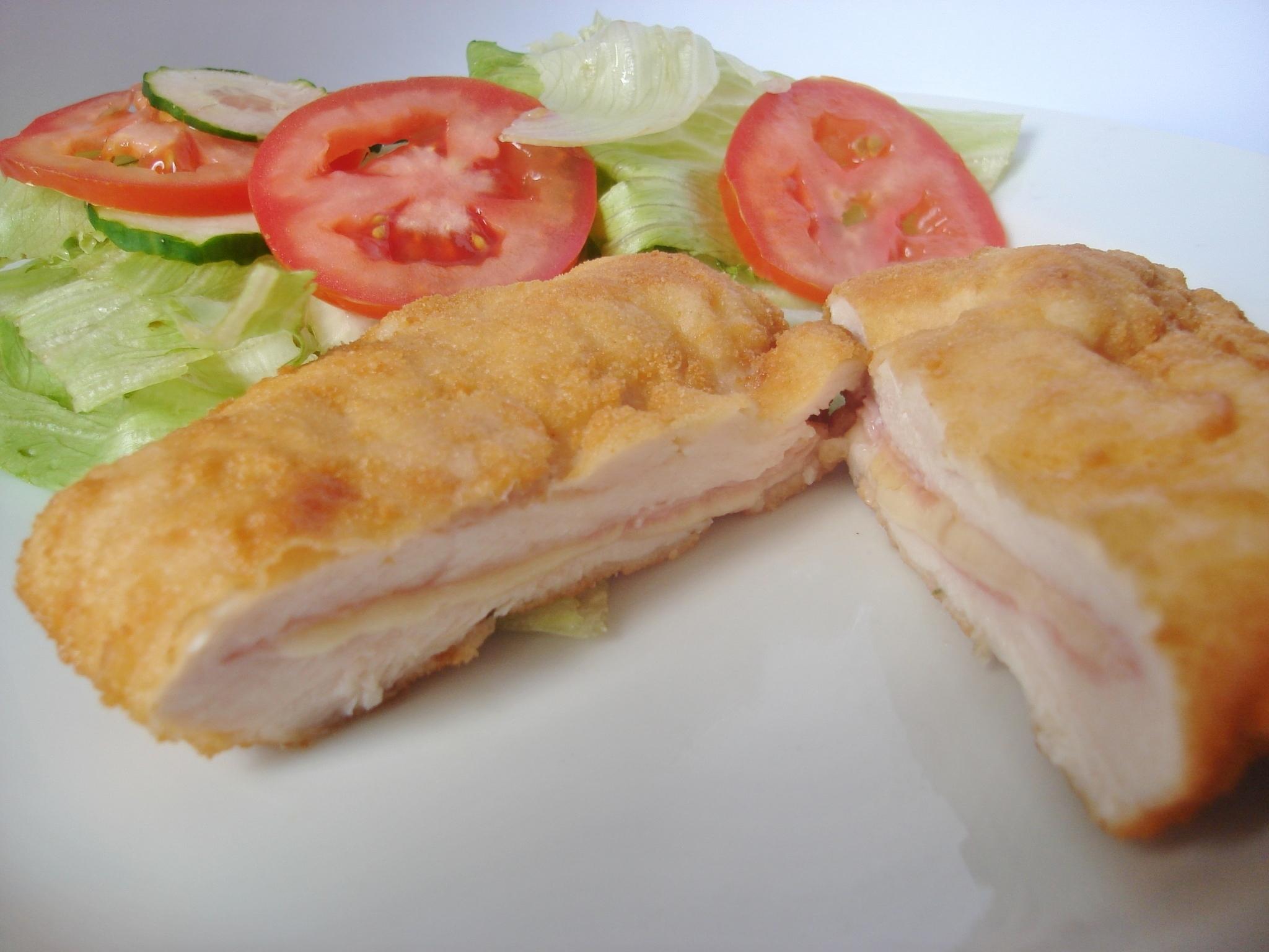 como fazer filé de frango à milanesa com recheio de queijo