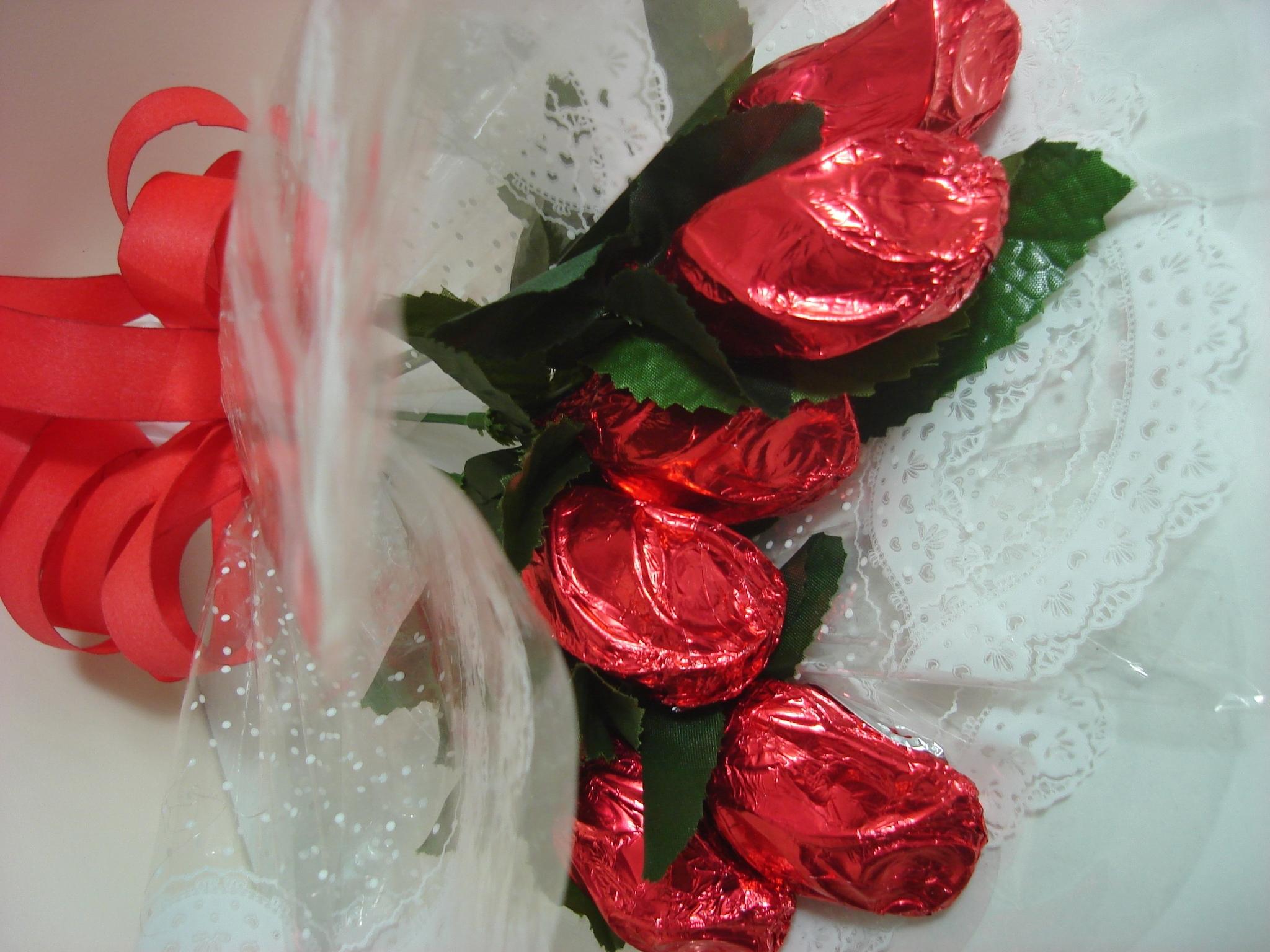 forma para fazer rosa de chocolate