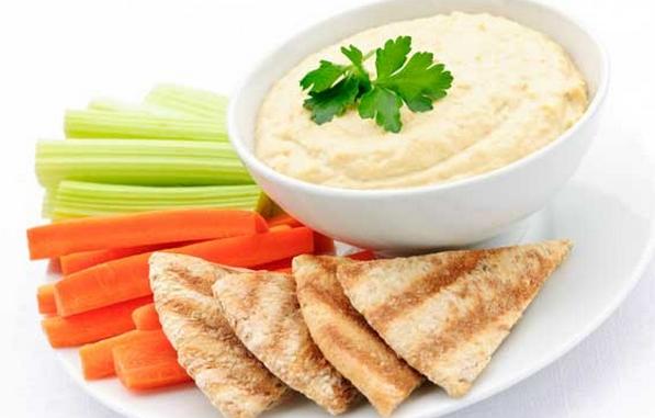Receita de Hummus (pasta de grão-de-bico)