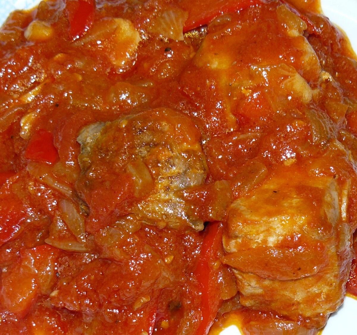 Tonyina amb tomaca/Atún con tomate