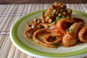 Små blæksprutter i tomat med kartofler og ærter – Moscardini in umido con patate e piselli