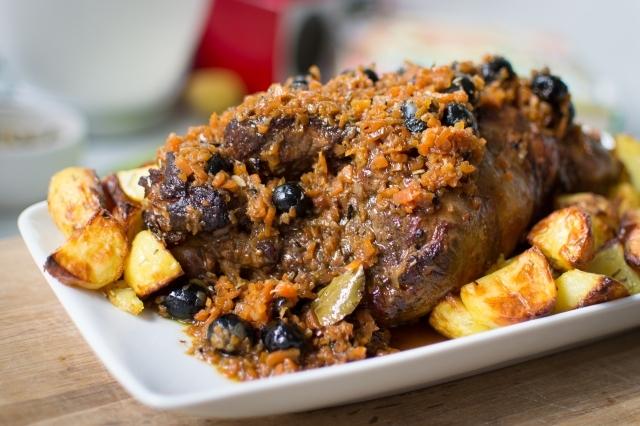 Lammekølle med ovnkartofler – Cosciotto d'agnello con patate al forno