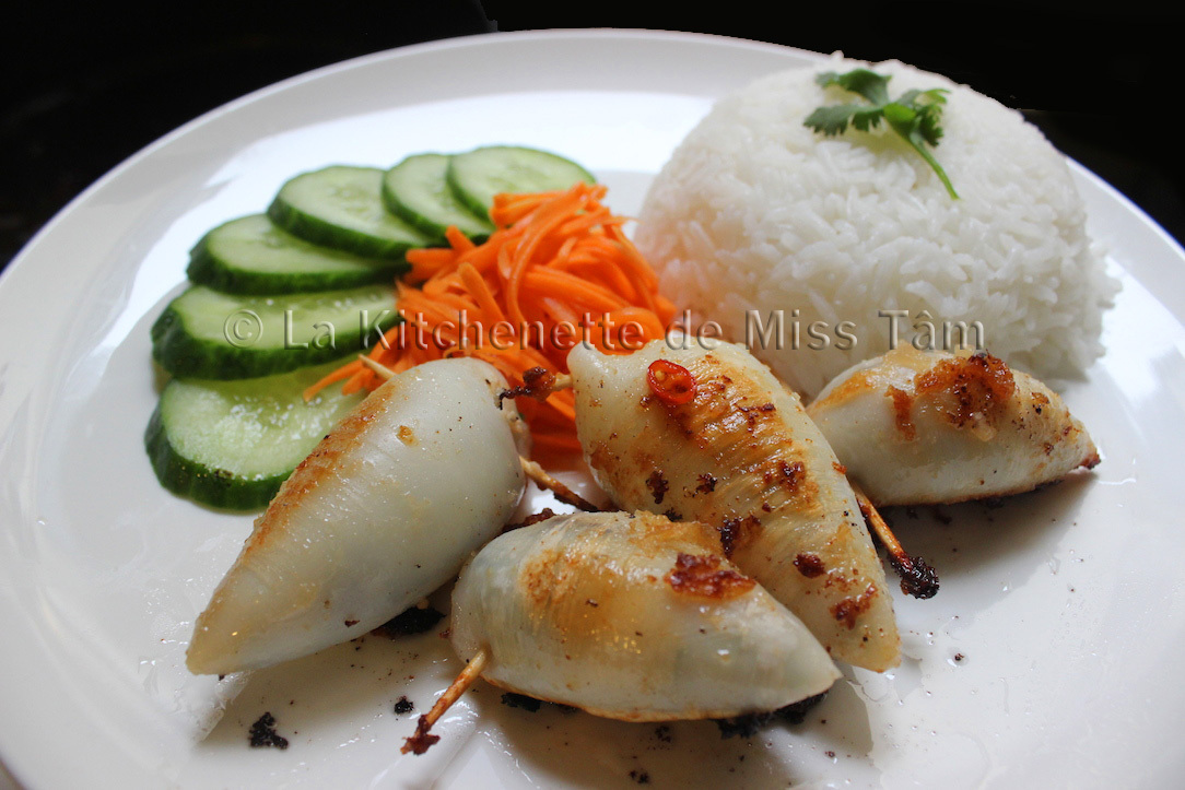 Calamars farcis à la vietnamienne (Mực nhồi thịt)