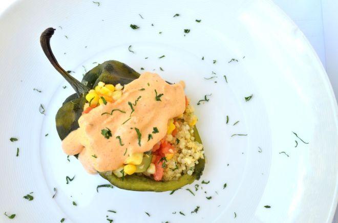 Chiles Rellenos de Calabacitas y Quinoa con Salsa de Chipotle