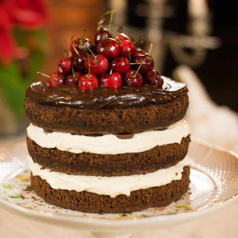 bolo de chocolate com cerejas – o chef e a chata
