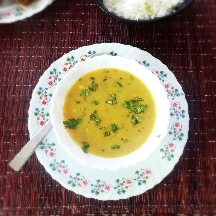 Lasooni Dal Recipe – Delicious lentils with garlic Indian dish