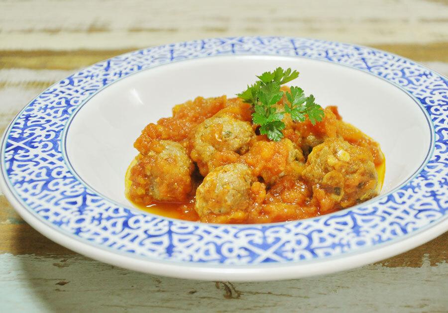 Almôndegas de Carne Moída com Molho de Tomate