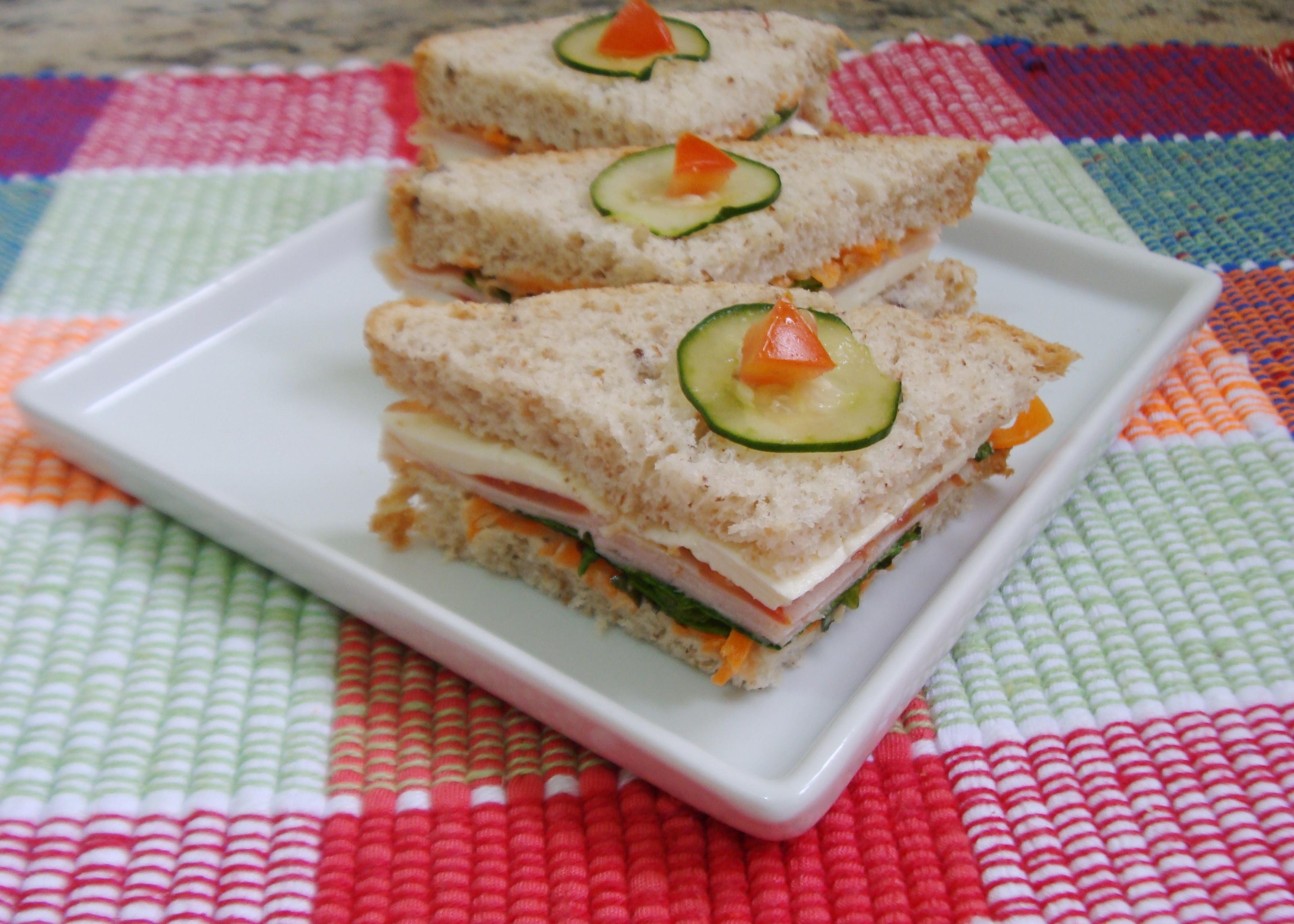 Sanduíche Natural de Queijo frescal e Peru