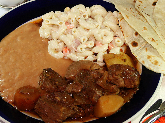 carne de res con papas cambray