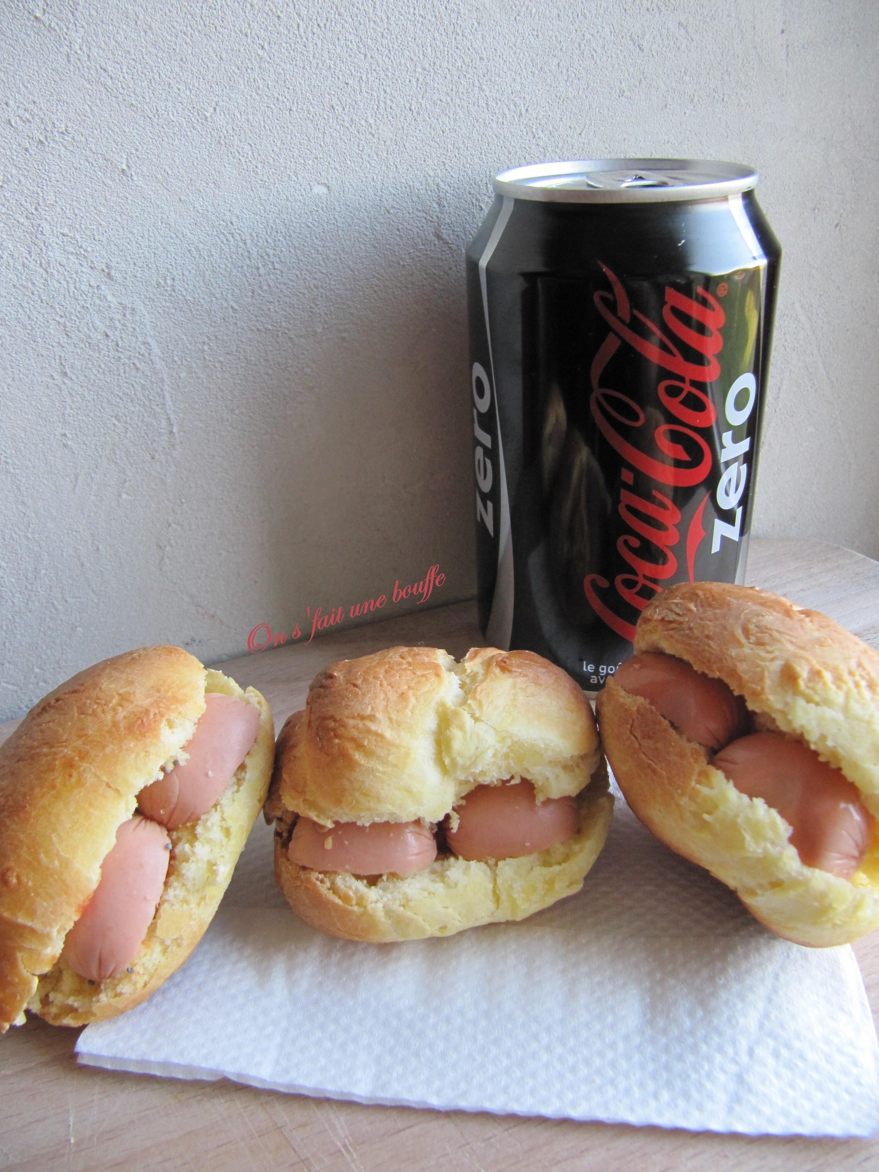 Mini hamburgers & mini hot-dogs