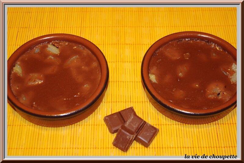CREMES AUX POIRES AU SIROP CHOCOLAT CARAMEL