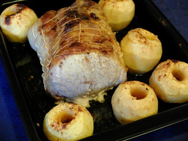 Rôti de porc au four aux pommes cannelle