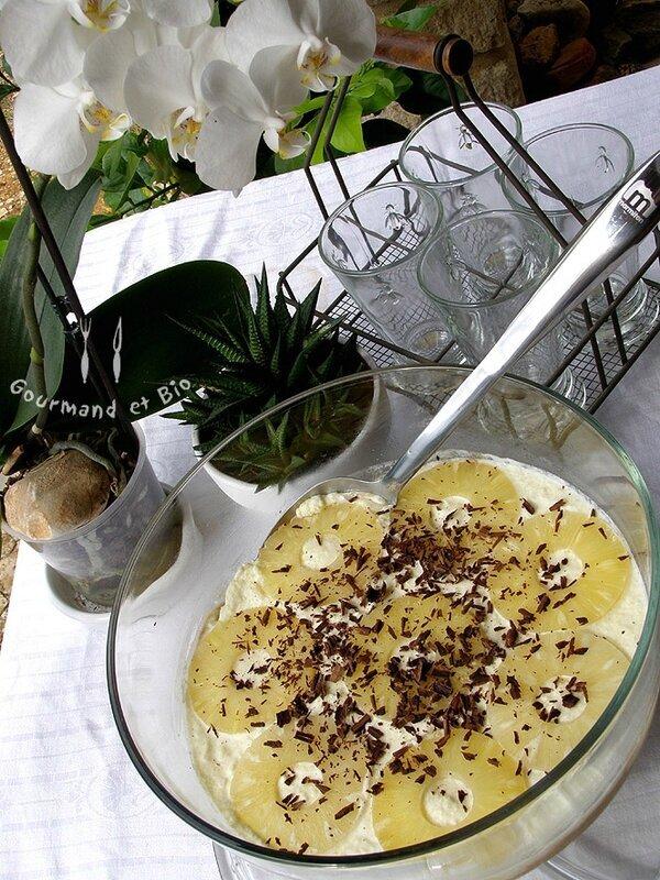 Coupe G E A N T E de mousse à l'ananas !