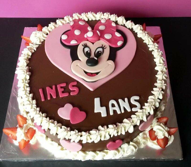 Gâteau mousse fraises chocolat
