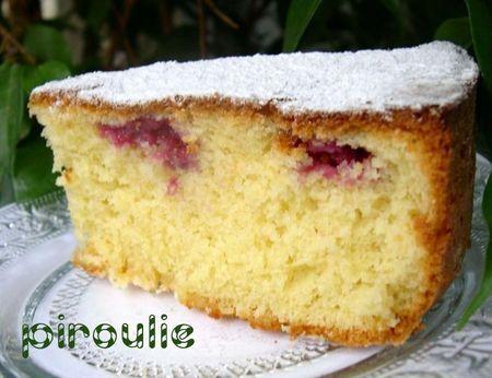 Cake ultra moelleux aux amandes et framboises de Chantal Tibi