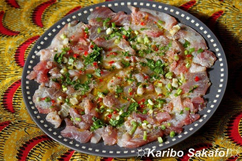 Carpaccio pimenté de dorade coryphène et de thon, au curry, coriandre et jus de fruit de la passion