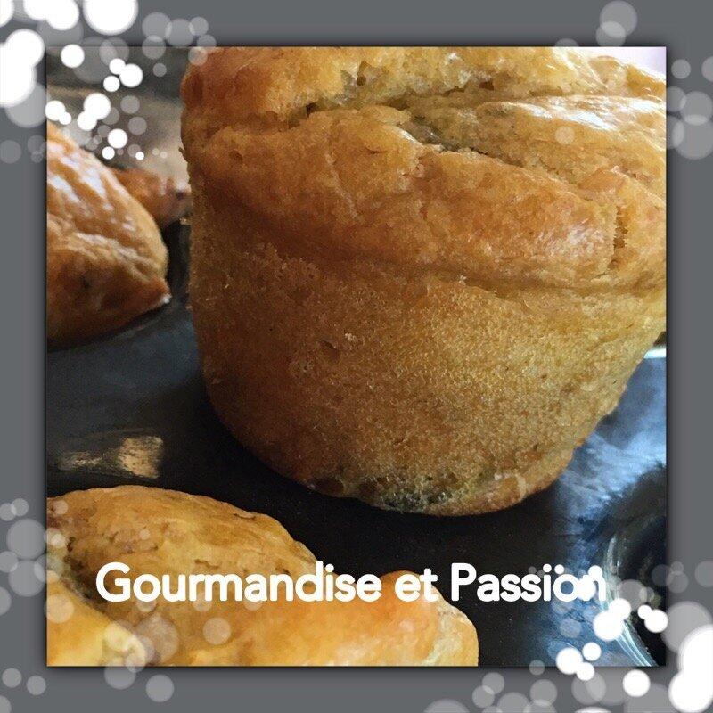 Mini muffins au poulet et courgettes.