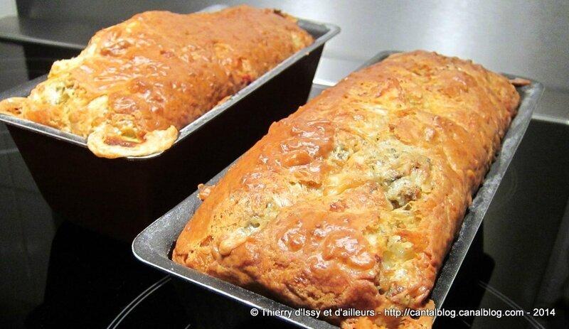 Cake aux fromages d'Auvergne, pommes, pignons et noix pour le brunch du Salon du Blog Culinaire