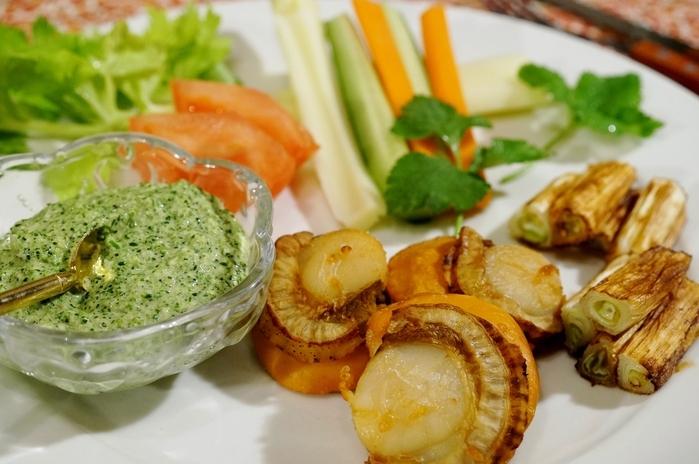 ■【フィリップス ノンフライヤーで 酒蒸し焼きホタテ&葱のブロッコリーアンチョビディップ添え】