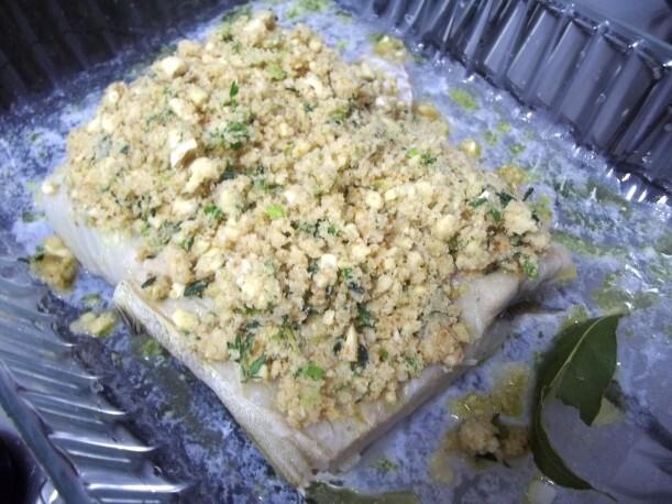 Bacalhau dessalgado assado com crosta de castanha