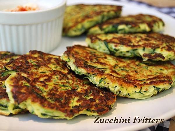 遠見網路獨享。放學後點心時間:義大利櫛瓜煎餅兩吃 Zucchini Fritters