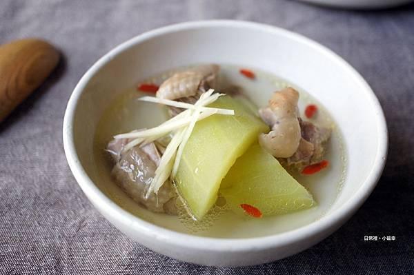 [電鍋料理]薑絲黃瓜雞湯