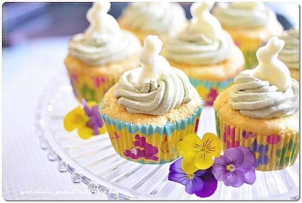 〔食譜〕復活節慶祝。小兔子成群結隊之胡蘿蔔戚風杯子蛋糕 ♪(´ε` )