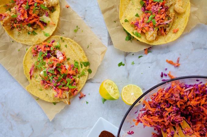 Tacos de coliflor rostizada con chipotle