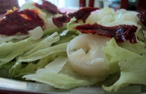 Salada de Alface Americana com Tomate Seco e Palmito