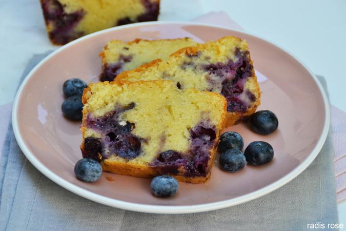 Cake myrtille citron amande… et bleu comme les iris de Van Gogh
