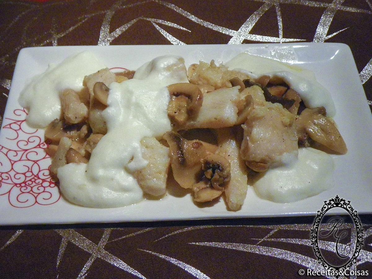 file pescada no forno cogumelos forno