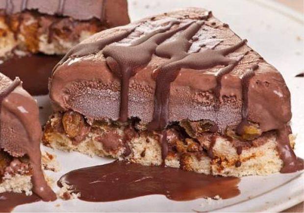 Bolo Gelado de Chocolate Com Passas