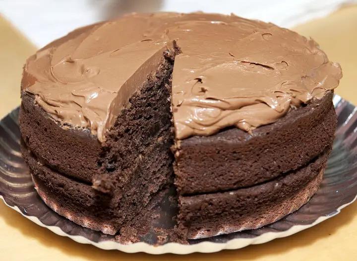 Pastel de Chocolate con Glaseado de Moka