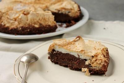 Torta de chocolate merengada