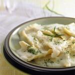 Ravioles de espinaca con salsa blanca