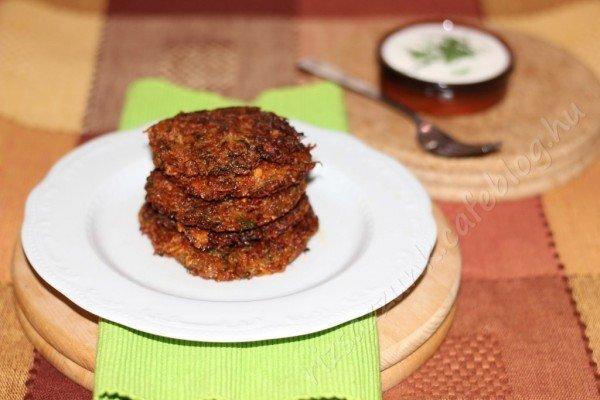 Fűszeres patiszonos röszti (kiskorúval a konyhában)