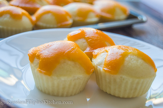 Puto Cheese (Steamed Muffins With Cheese Toppings)