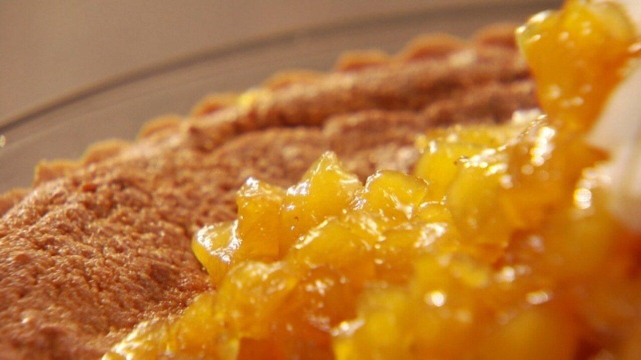 Torta de coco com abacaxi do chef Chuck Hughes