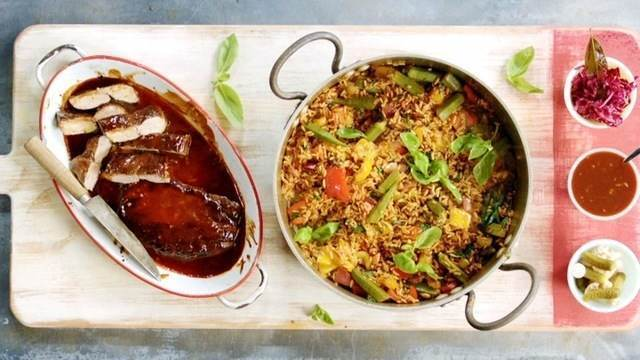 Filé mignon suíno ao molho barbecue e arroz cajun: receita de Jamie Oliver