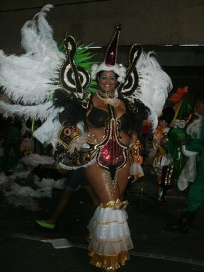 Vencedora do Miss Plus Size Carioca, Josiane Lira só pensa no carnaval